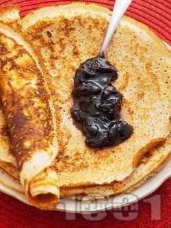 Вкусни домашни палачинки - класическа рецепта с прясно мляко, яйца, брашно и бакпулвер за бърза закуска / десерт - снимка на рецептата